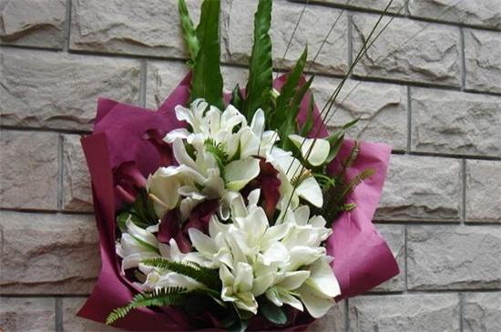 生日送花送什么花